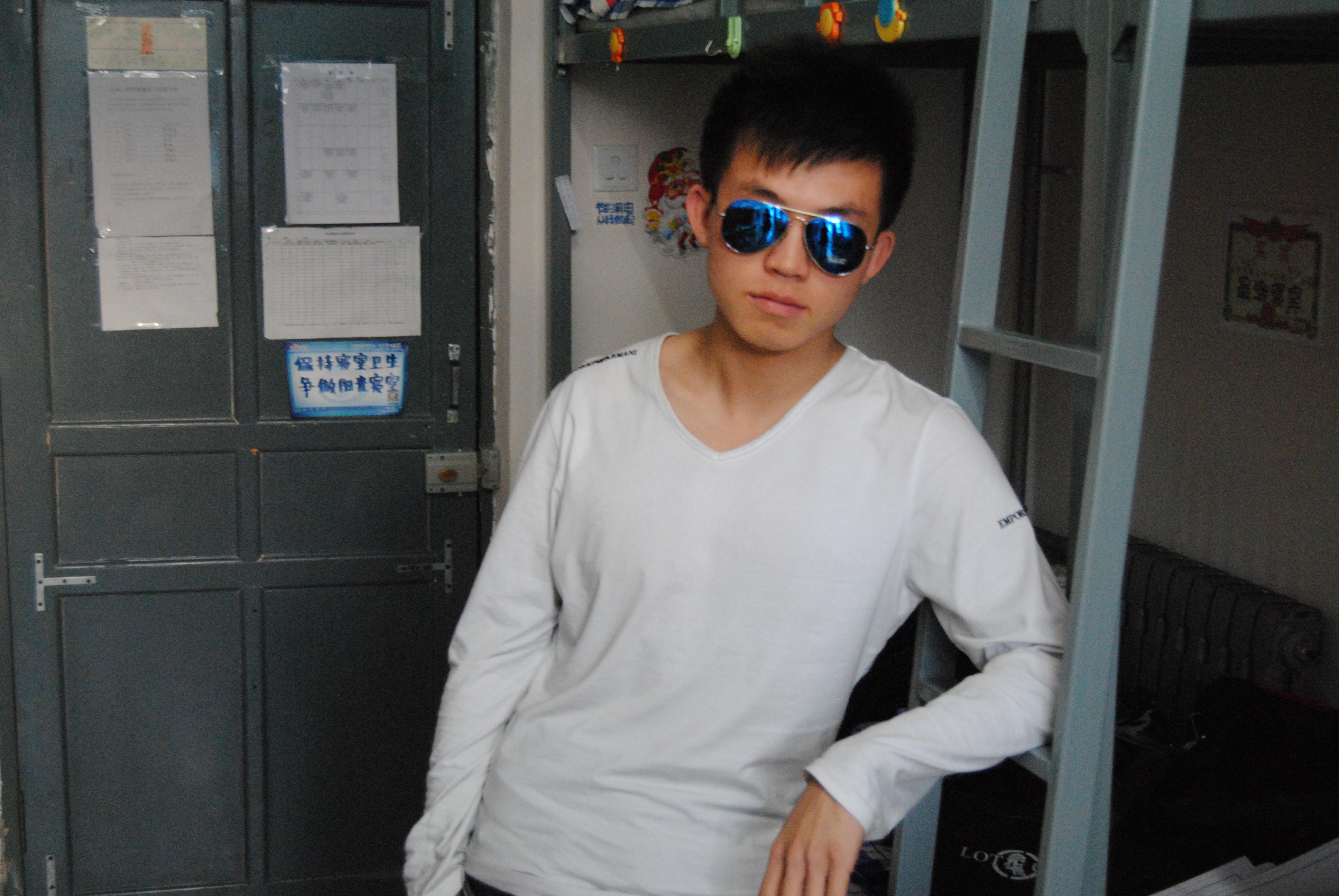 【志愿者秀】2012级志愿者-王年旭