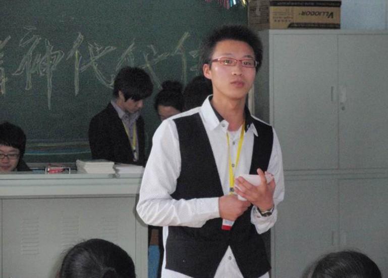 【志愿者秀】2009级志愿者-申吉洪