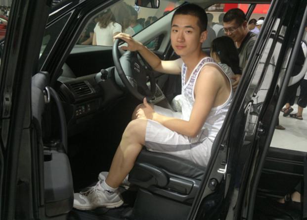 【志愿者秀】2011级志愿者-王敏杨