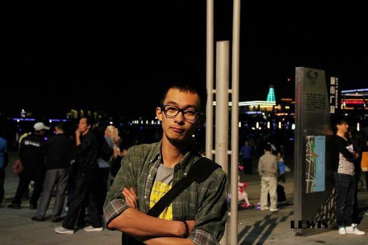 【志愿者秀】2010级志愿者-吕扬