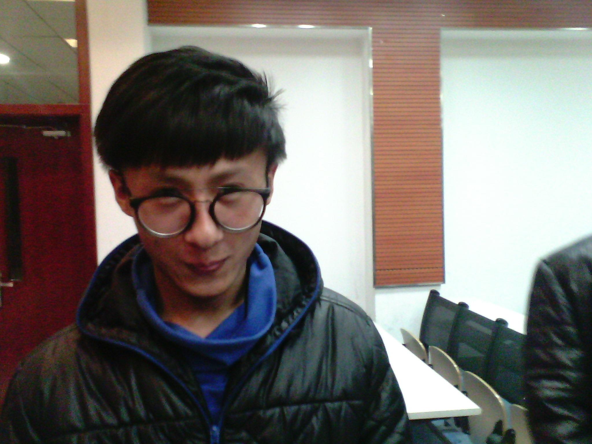 【志愿者秀】2012级志愿者-李昊