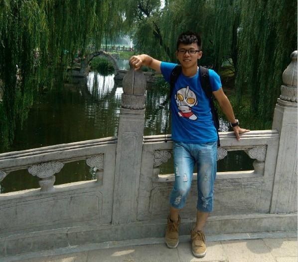 【志愿者秀】2012级志愿者-钟南琨