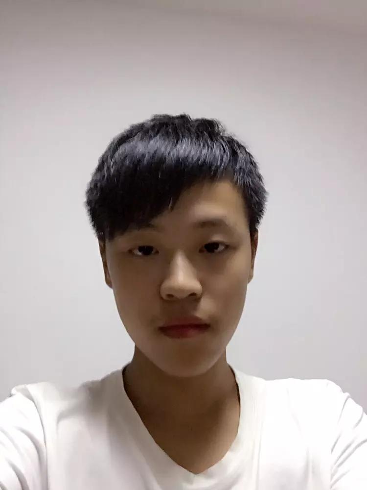 【志愿者秀】2015级志愿者-邹呈骏