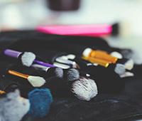 多功能化妆品受到消费者的欢迎