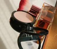 迷你精简的日本化妆品将持续增长势头